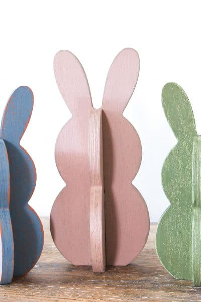trio of bunnies, wooden bunnies, wax puck, resist, tutorial, miss mustard seeds milk paint, milk paint