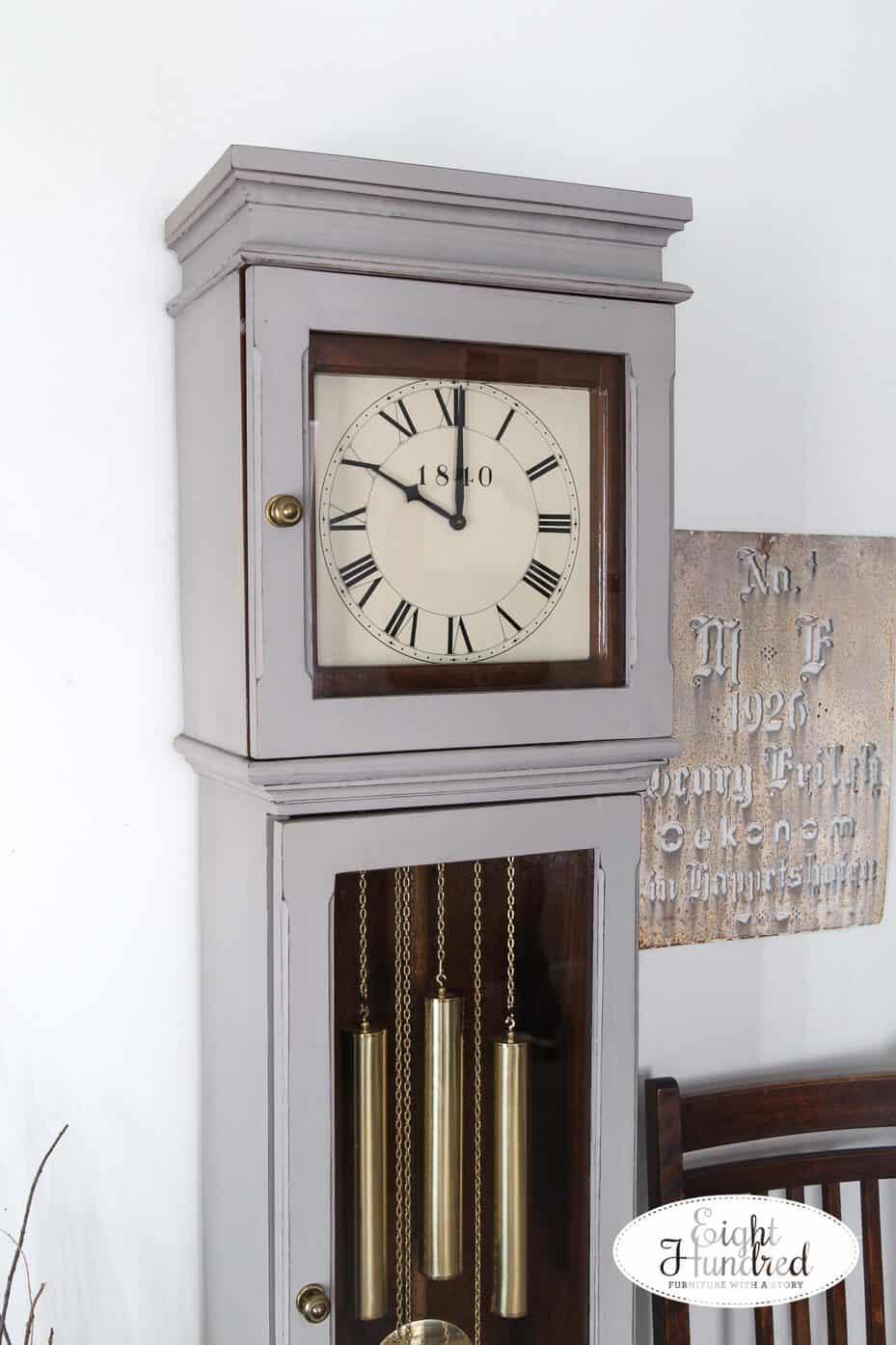 Grandmother Clock top in schloss