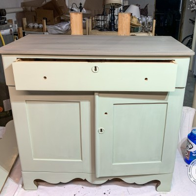Finishing The Layla's Mint Washstand