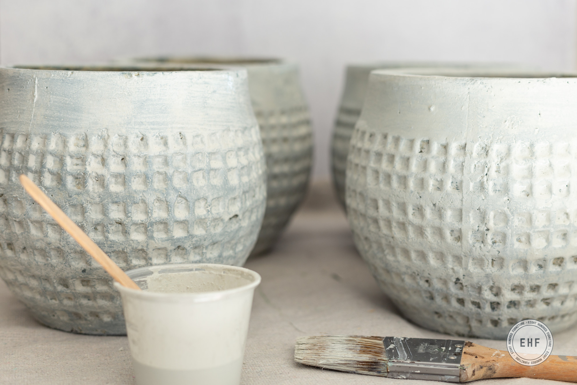 Teal ceramic pot, Mora Milk Paint, Miss Mustard Seed's Milk Paint, Eight Hundred Furniture, Macrame Pot Hanger